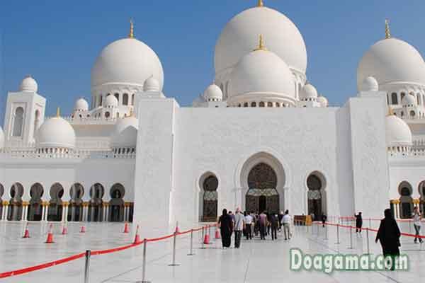 bacaan doa masuk masjid